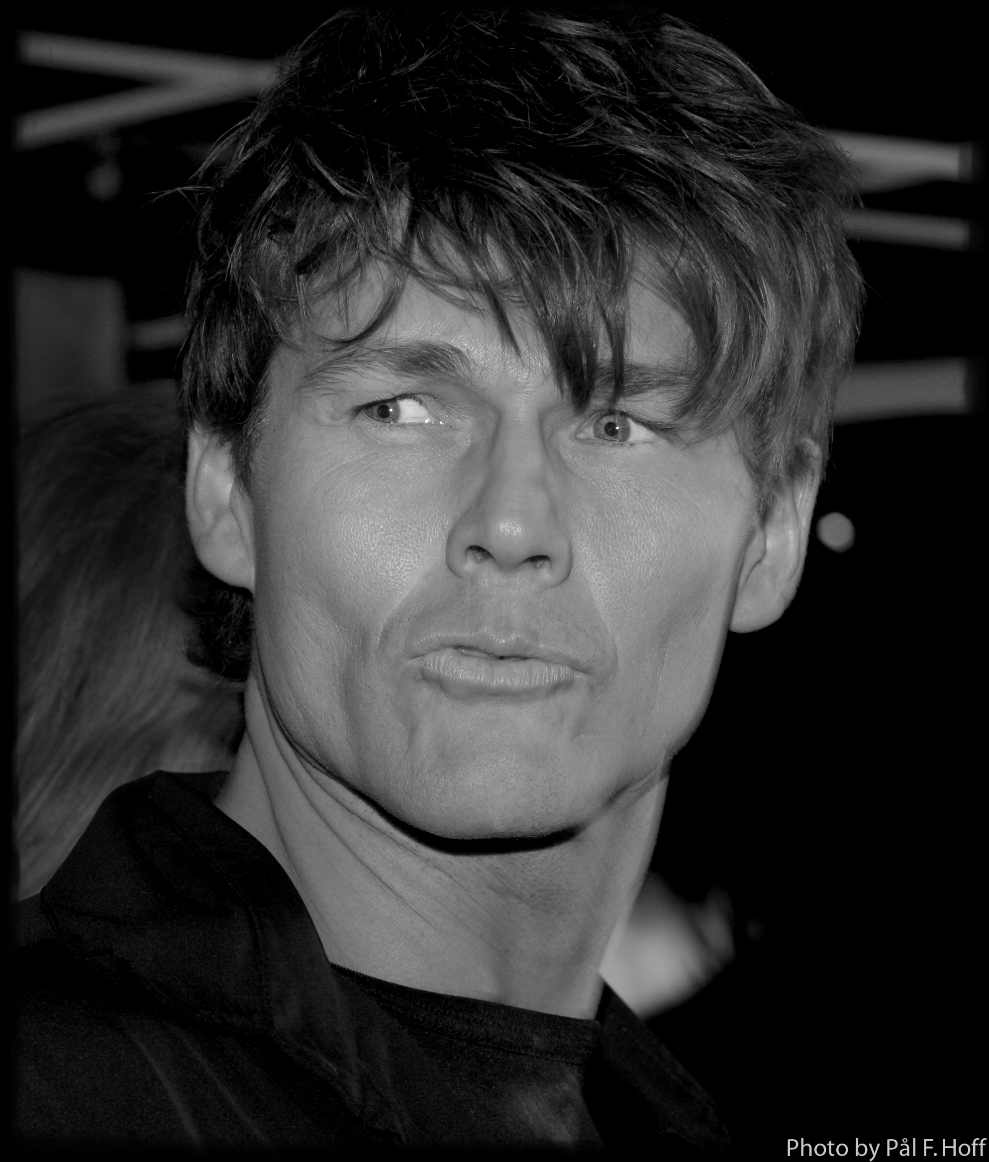 Morten Harket ved Nordic Music Award Sunday, April 4   If Nude is Good, More Nude is Better